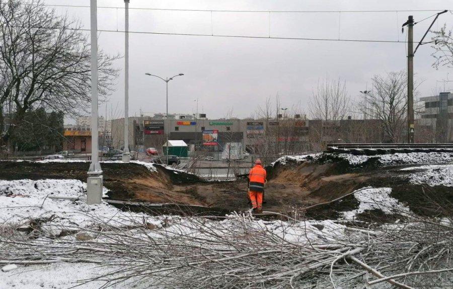 Mostek pod torami w centrum Chrzanowa już rozebrany