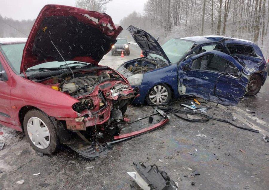 Po zderzeniu kierowca trafił do szpitala