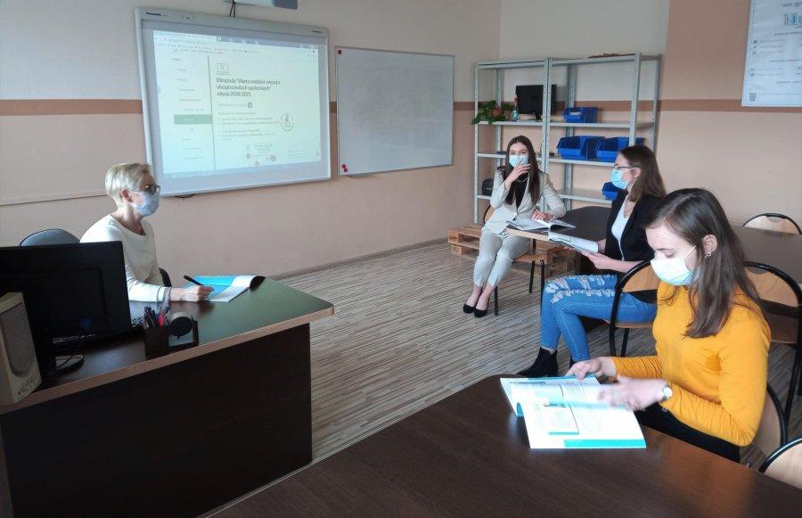 Uczennice z Libiąża najlepsze w Małopolsce