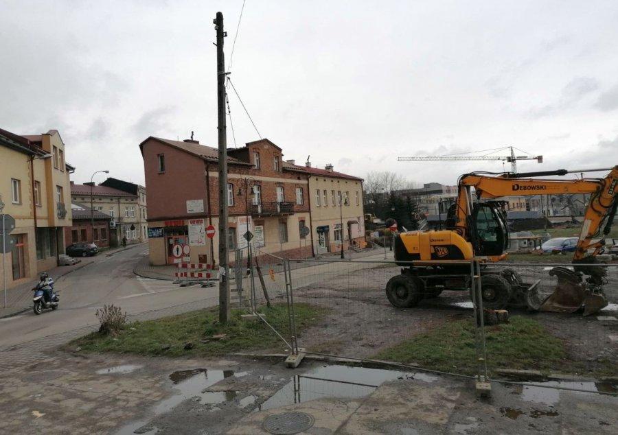 Przy ulicy Krakowskiej rozpoczyna się budowa ronda