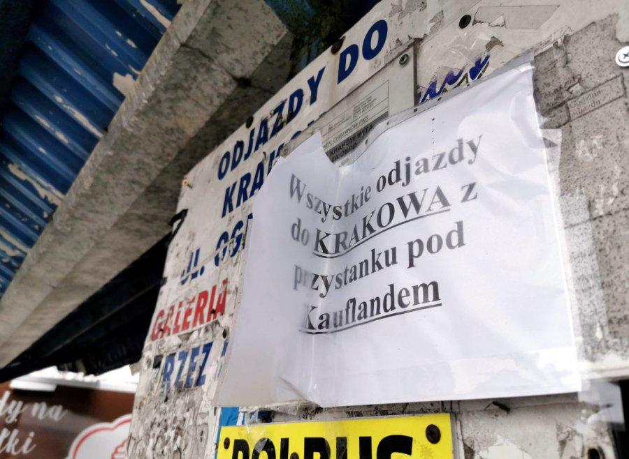 Busy nie zabierają pasażerów z dawnego dworca PKS w Chrzanowie