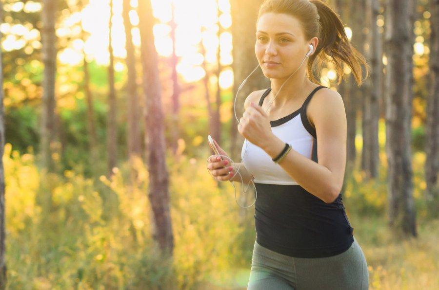 Czy wiesz, jak wybrać biustonosz sportowy? Mamy dla Ciebie kilka wskazówek!