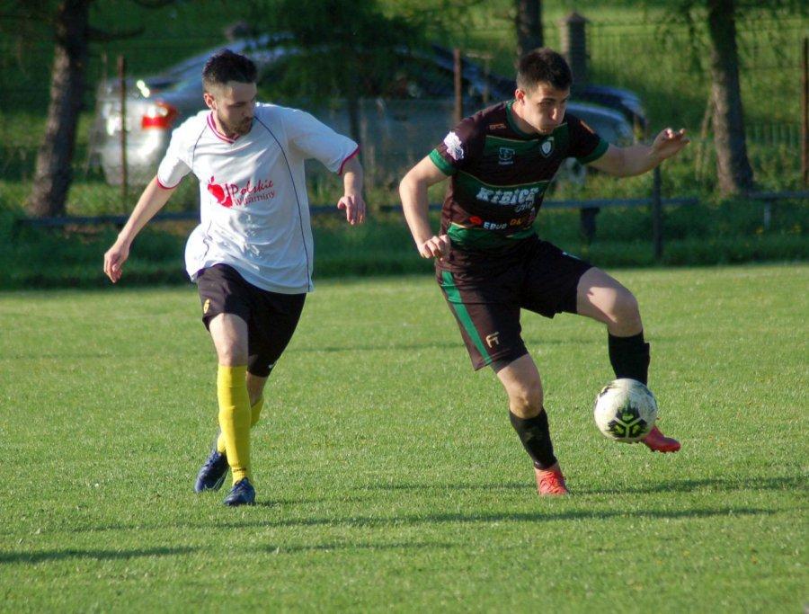 Piłkarze Sierszy lepsi od Mętkowa. Jedną z bramek strzelił 15-latek (WIDEO, ZDJĘCIA))