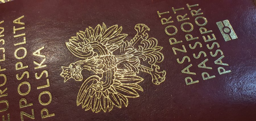 Z paszportem covidowym na wakacje zagraniczne