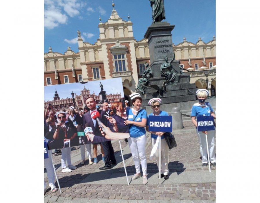 Pielęgniarki z Chrzanowa na proteście w Krakowie