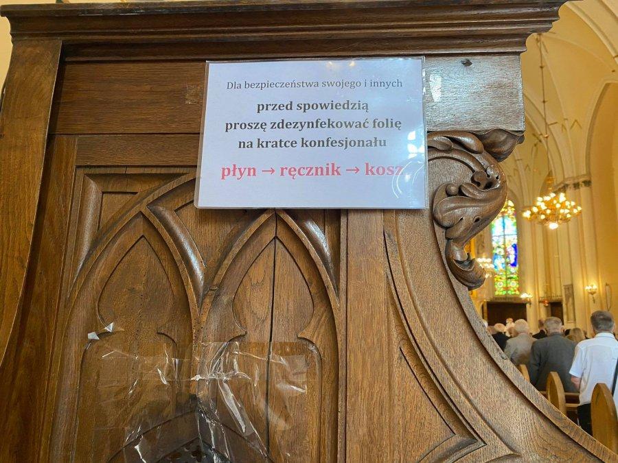 Koniec dyspensy od uczestnictwa w niedzielnej mszy. Jest decyzja biskupów