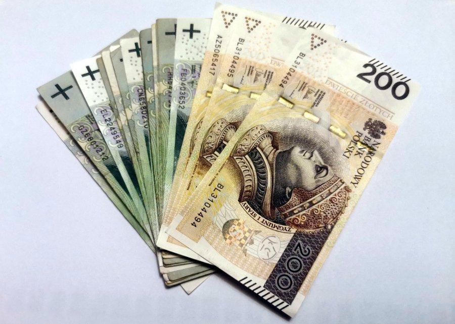 Rząd przyjął propozycję płacy minimalnej na 2022 rok