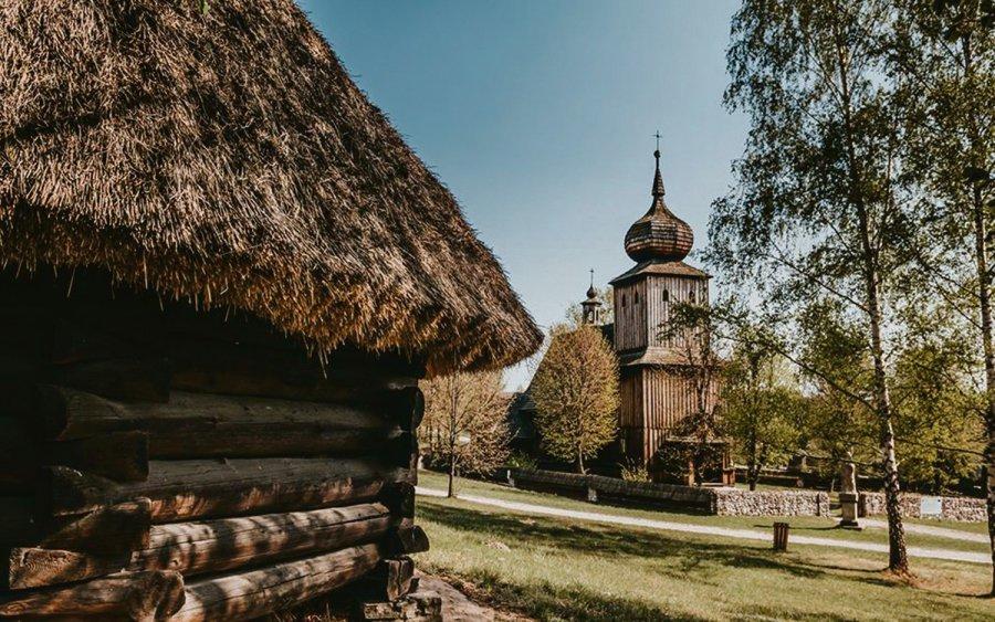 Zlot klasyków i wejście za półdarmo do skansenu w Wygiełzowie