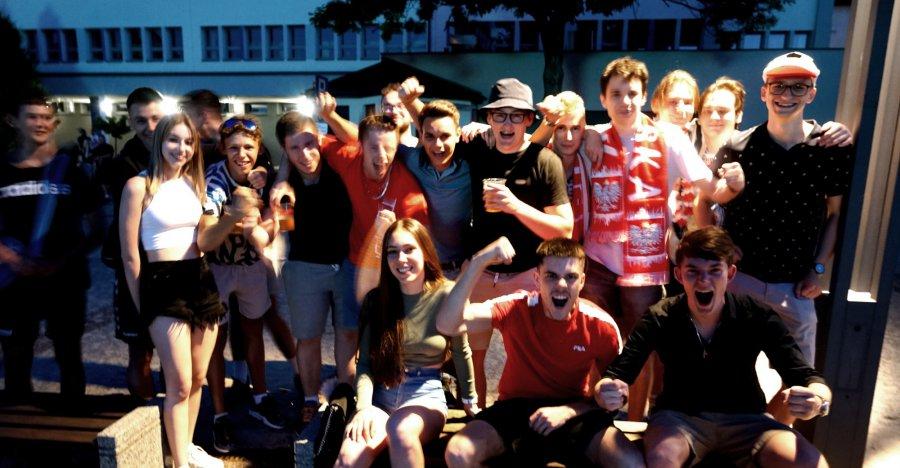 Zostajemy na Mistrzostwach Europy! Jak Chrzanów kibicował Biało-Czerwonym w meczu z Hiszpanią (WIDEO)
