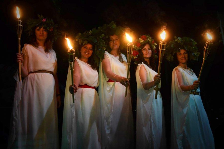Piękne widowisko Nocy Świętojańskiej (ZDJĘCIA)