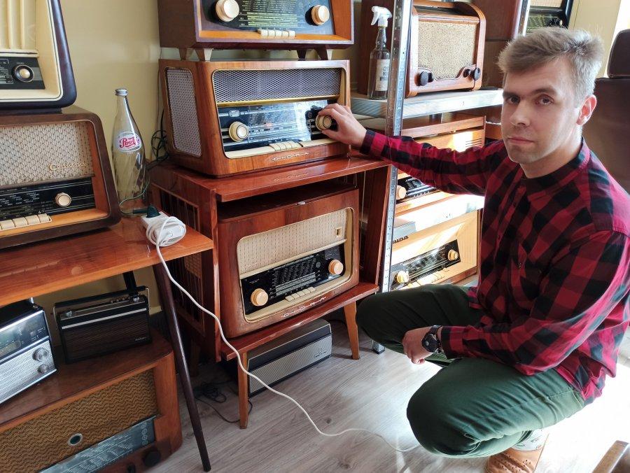 Radioodbiorniki z duszą i pocztówki dźwiękowe z kolekcji pana Rafała