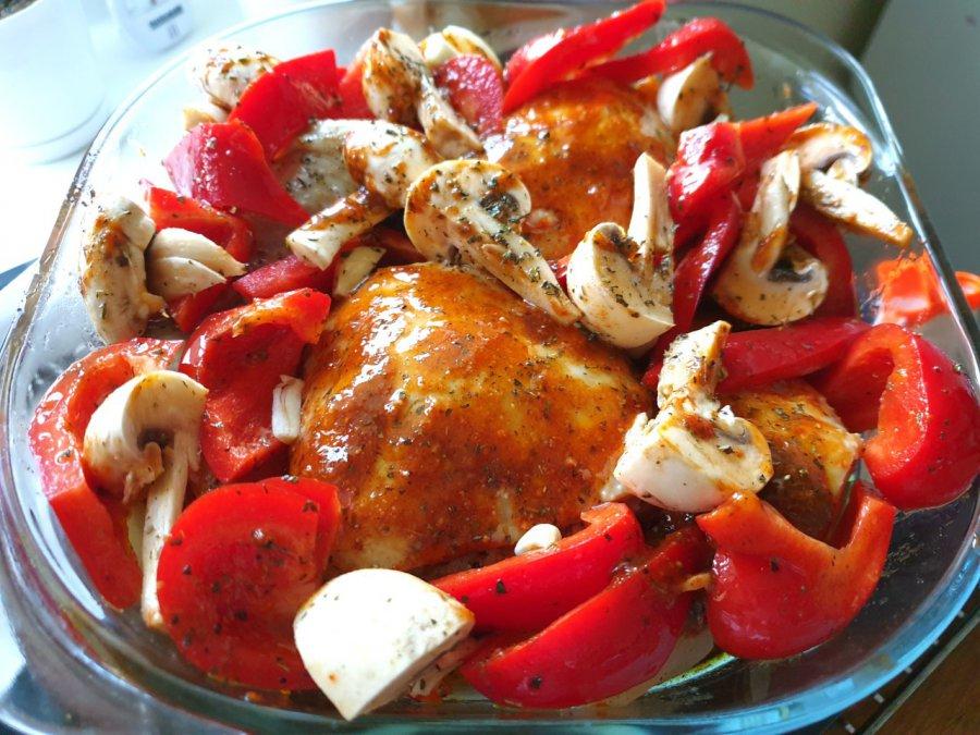 Nogi z kurczaka zapiekane z warzywami. Spróbujcie, jakie dobre!