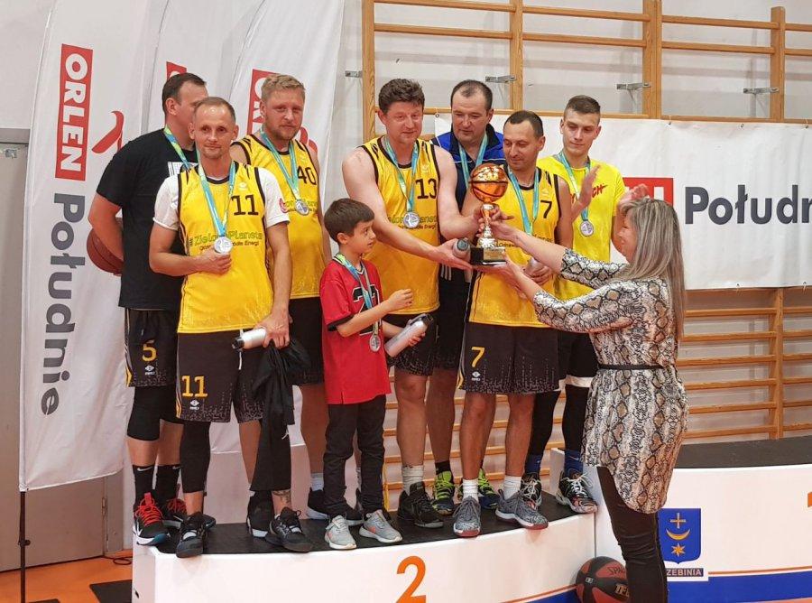 Koszykarze  walczyli o mistrzostwo powiatu. Puchary dla ekip z Jaworzna i Chrzanowa (WIDEO, ZDJĘCIA)