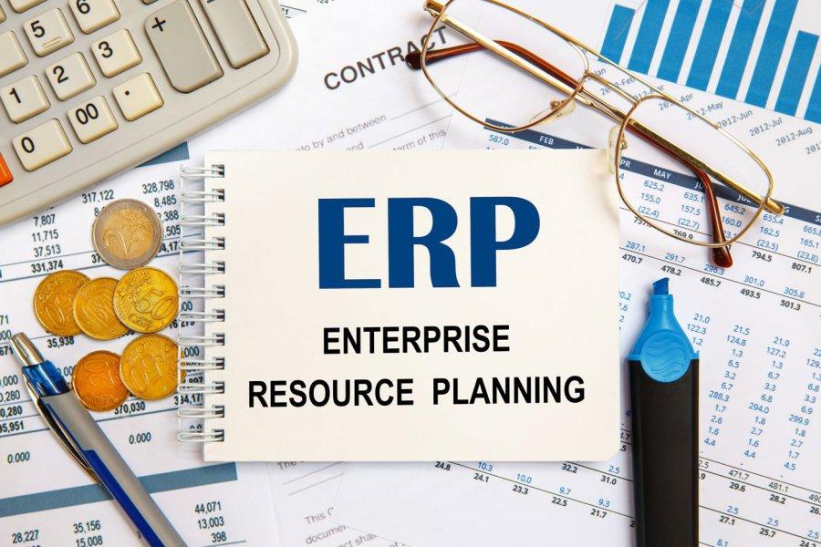 Ile kosztuje wdrożenie systemu ERP? Te kwestie determinują wycenę końcową!