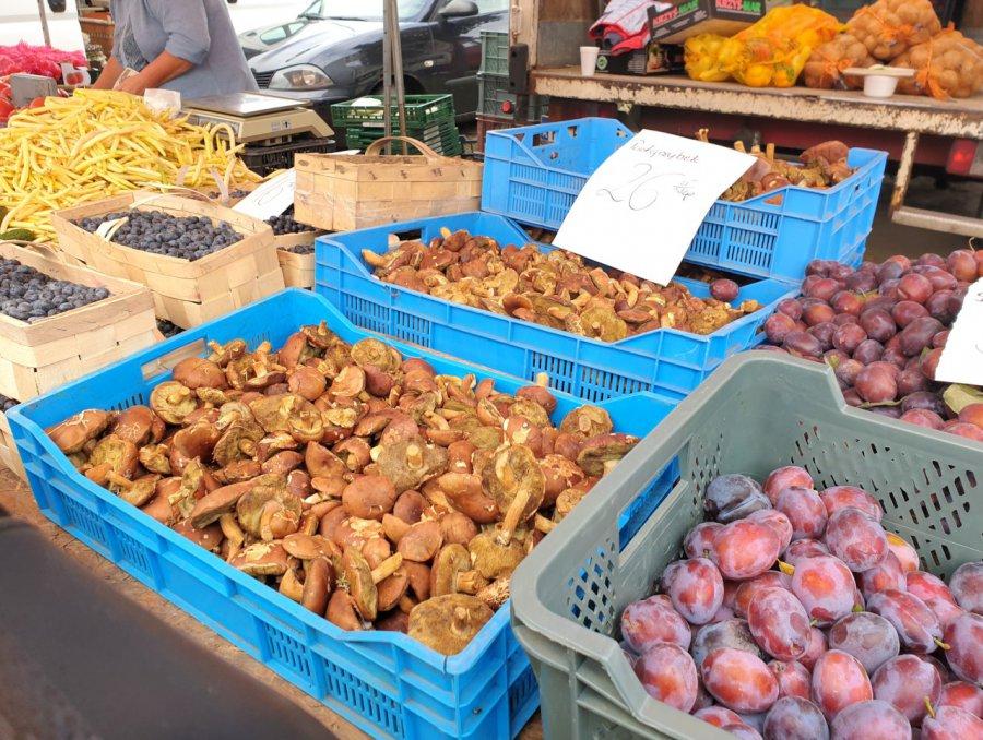 Na targowisku w Chrzanowie podgrzybki są po 26 zł za kilogram