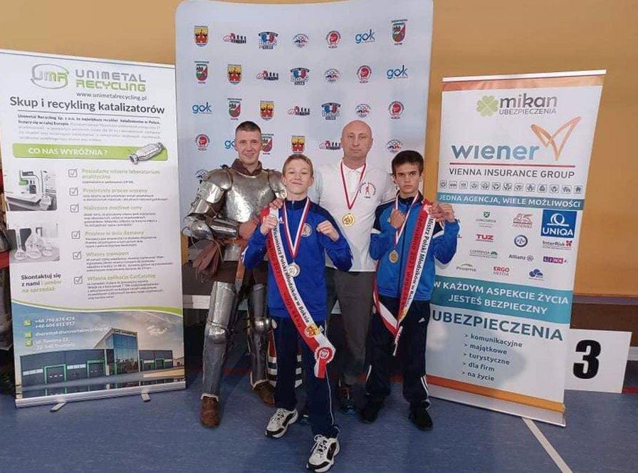 Pięściarze z Libiąża przywieźli z Mazur dwa medale mistrzostw Polski