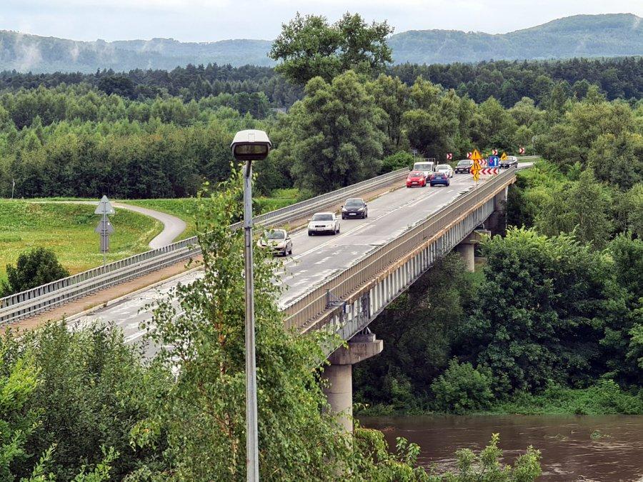 Przeprawa tymczasowa czy objazdy na czas przebudowy mostu na Wiśle w Jankowicach?