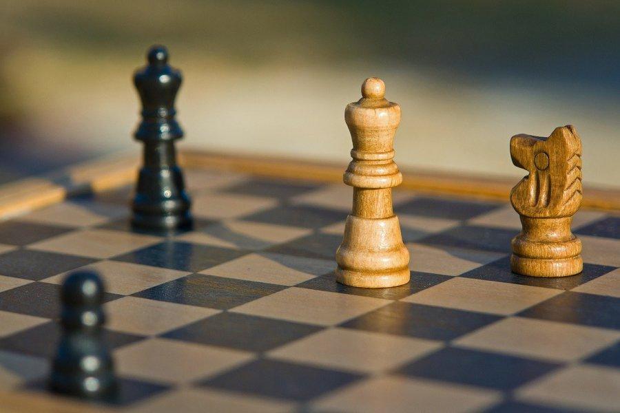 Czwartki szachowe w Chrzanowie to propozycja dla wszystkich miłośników królewskiej gry